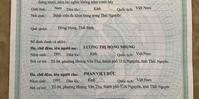 Bài 2 anh đức 2 660x330 - Niềm Vui Của Anh Phan Việt Đức Khi Đón Con Đầu Lòng